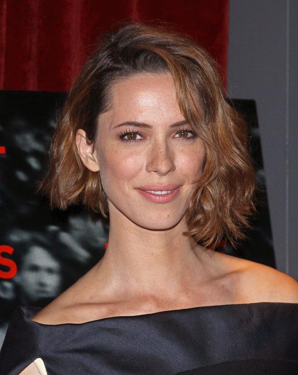 <strong>Rebecca Hall</strong> <br>Or try beachy, tousled curls for a cool, nonchalant aesthetic.