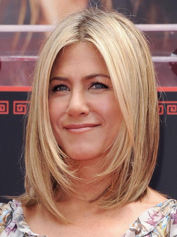 <strong>Jennifer Aniston</strong> <br>Aniston has recently re-chopped her hair in the style of her 2011 lob - we love the fame-framing layers, which are perfect for straight hair.