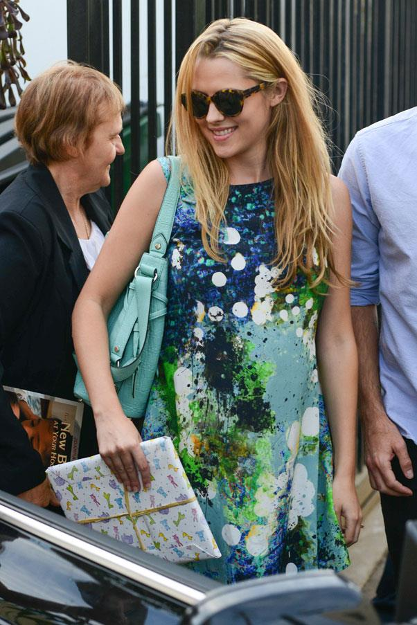 <strong>Teresa Palmer</strong> <br>Shift dresses and sandals are a summer go-to for both style and comfort.