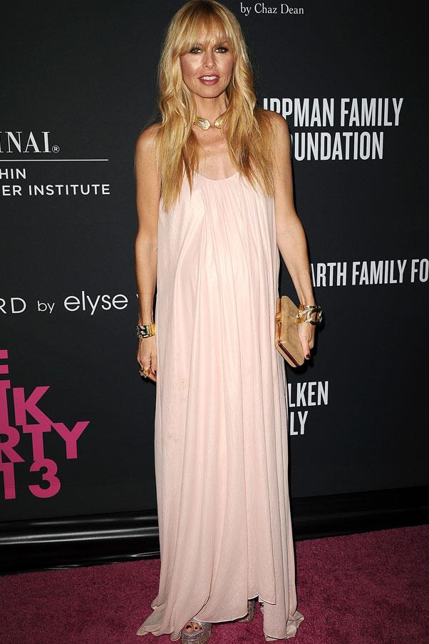 <strong>Rachel Zoe</strong> <br>A simple, flowing column dress is a beautiful eveningwear option for pregnant women.