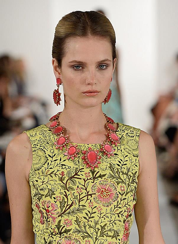<strong>Matching sets</strong><br> In a nod to the 1950s, twinning your earrings to your necklace is sure to turn heads. <br> <i>Image: Oscar de la Renta S/S 14</i>