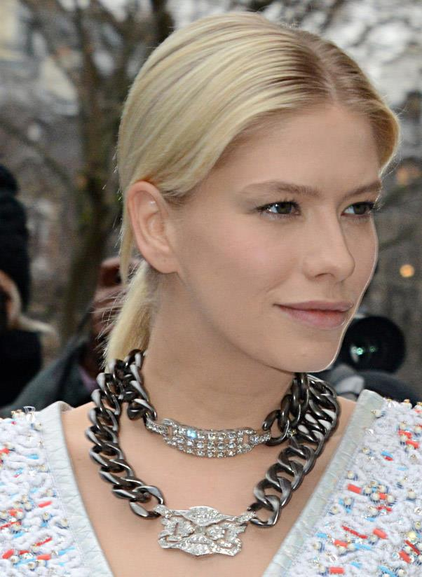 <strong>Double-up</strong><br> Because two necklaces are better than one… Wearing a double string (especially with a chain link-style) around your neck is the look du jour. <br> <i>Image: Elena Perminova</i>