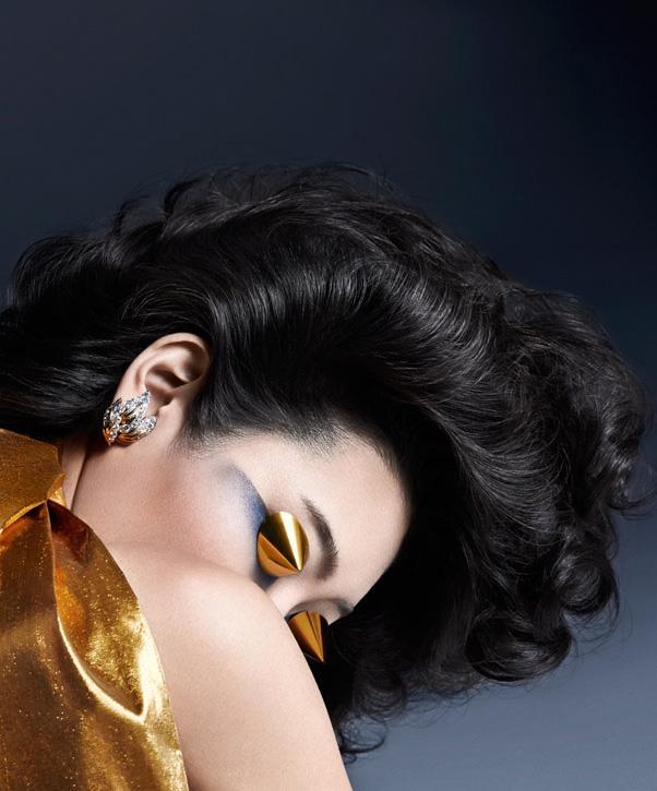 <strong>Chiharu Okunugi</strong> wears <em>Van Cleef & Arpels</em> earrings. <br><br>Update a smoky eye with shades of blue using <em>Giorgio Armani Eyes to Kill Eyeshadow Quad</em> in <em>Mediterranea</em>.