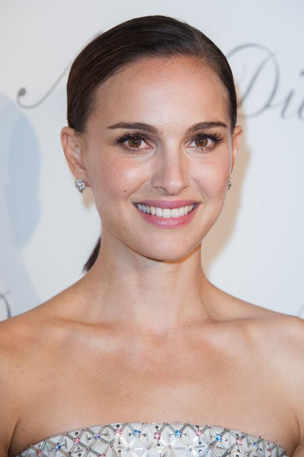 Natalie Portman graduated from Harvard with a BA in psychology in 2003, undertaking a full-time study load while continuing with her film commitments.