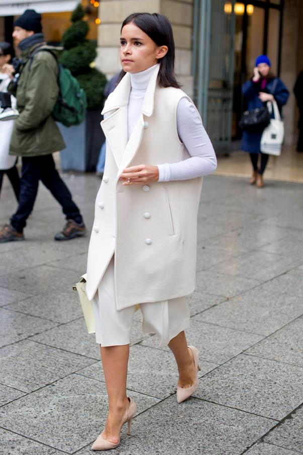 <strong>Knits as layering pieces</strong> <br>We love this all-white layered ensemble.