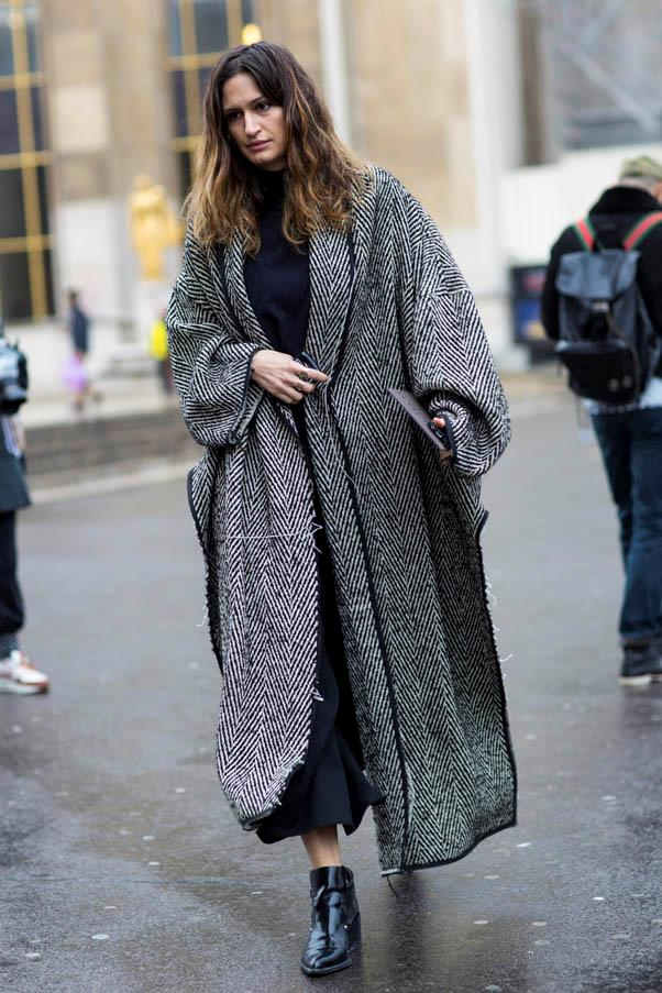 <strong>The duster</strong> <br>A slouchy version can be worn long and loose or belted for extra polish.
