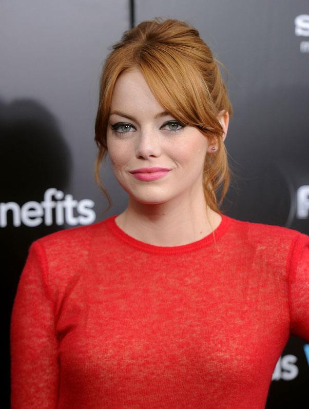 Back to red in July 2011 for her role in <em>Gangster Squad</em>.