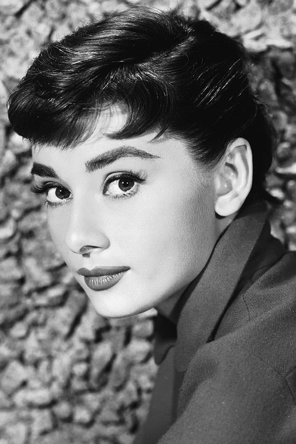 <strong>Audrey Hepburn</strong> <br>A beauty icon for the ages, Hepburn's bold brows made for a striking contrast to her ultra-feminine features.