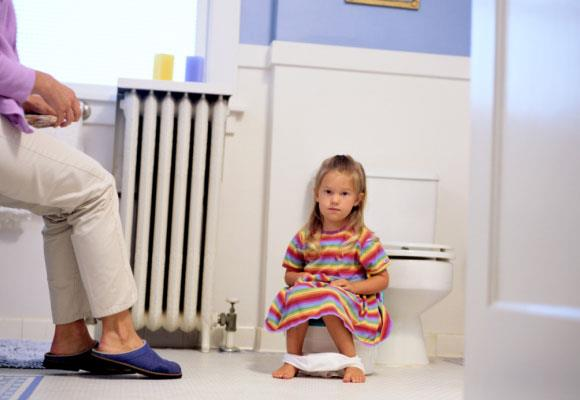 Toddlers could have trouble digesting certain sugars which will affect their internal gut flora causing loose bowel actions and possibly change their acid/alkaline levels, meaning they are more prone to build up of bacteria, and yeast infections. Cut out sugary drinks and sweets and give them a good quality plain, no added sugar yogurt with acidophilus, or a child's pro-biotic to help restore good bacteria in their gut.