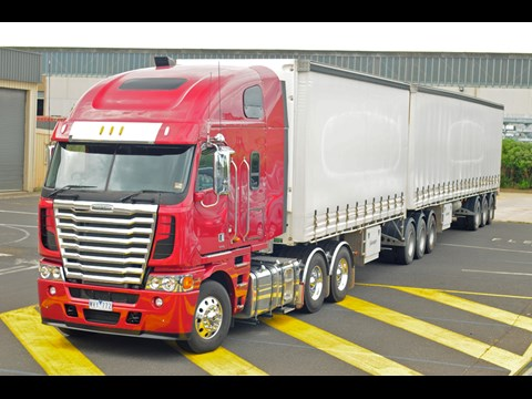 Freightliner Argosy 6x4 truck | Review