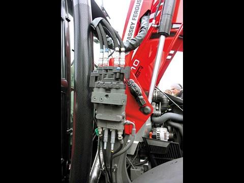 Top Tractor 2016: Massey Ferguson 5610