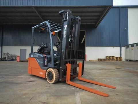 Toyota 8FBE20 electric powered forklift review