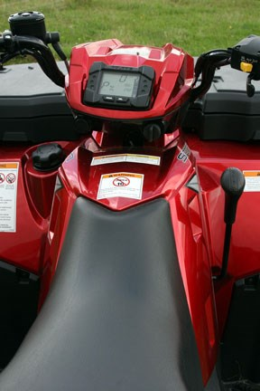 XP550-EPS,-narrow-seat-&-di.jpg