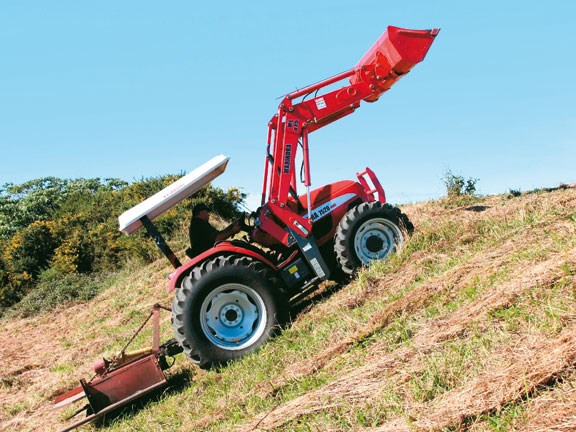 Mahindra-7520,-action-#5.jpg