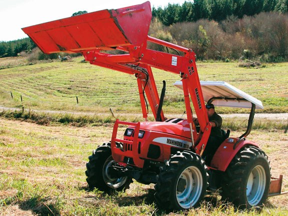 Mahindra-7520,-action-#7.jpg
