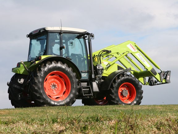 Claas-Axos-340,-action-#2-0.jpg