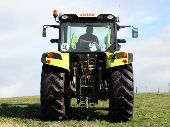 Claas-Axos-340,-action-#4-0.jpg