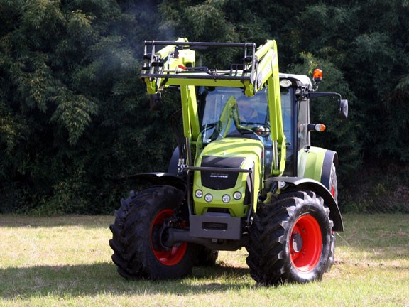 Claas-Axos-340,-action-#5-0.jpg