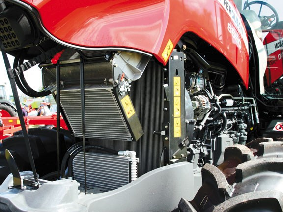 MF8650-engine-radiator-&-ch.jpg