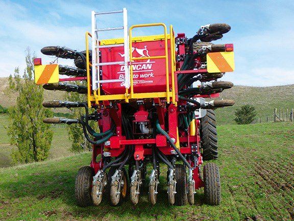 Duncan Ag drills: DD30 and DDC45