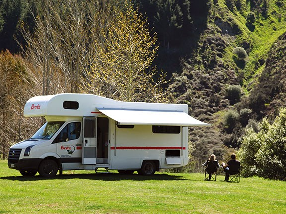Motorhome parking at Mountain Valley Adventure Lodge