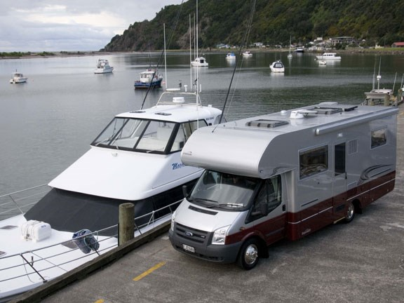6-boat-and-motorhome.jpg