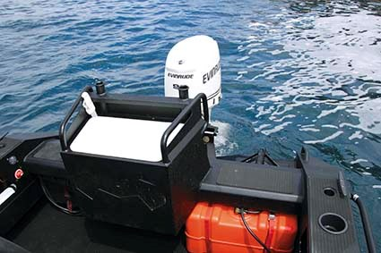BLACKDOG CAT 4 5 CENTRE CONSOLE 06