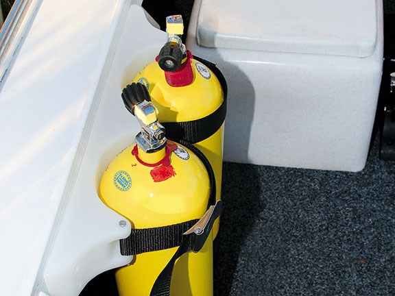 Dive tank mounting systems
