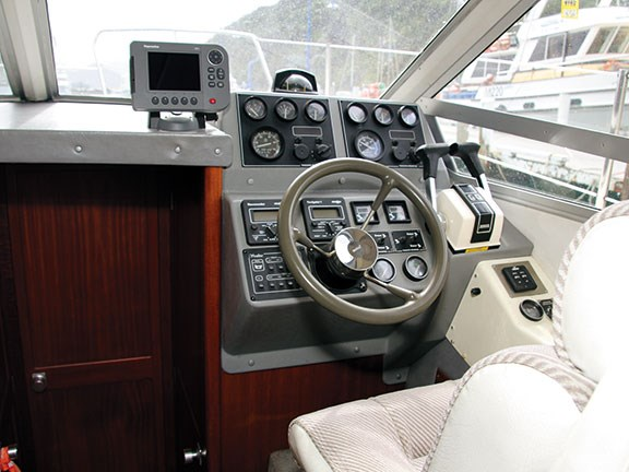 Sealine 305 Flybridge Cruiser