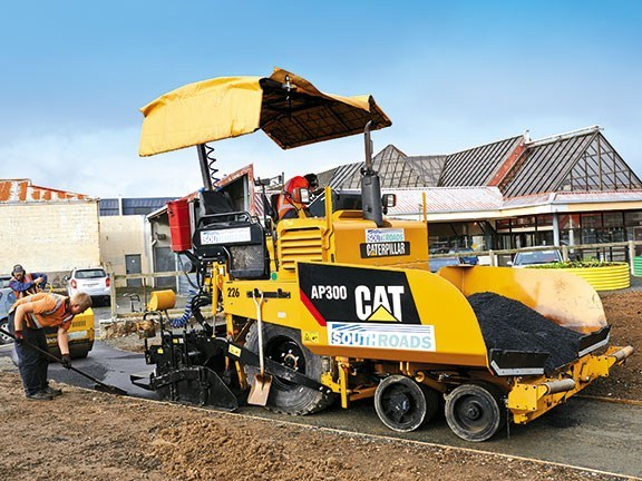 The operating station allows remote control of the screed position, and forward and reverse of the asphalt feed.