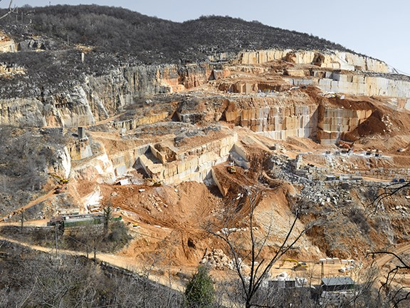 The Botticino quarry extends over 35,000 square metres and produces over 30,000 tonnes of marble each year.