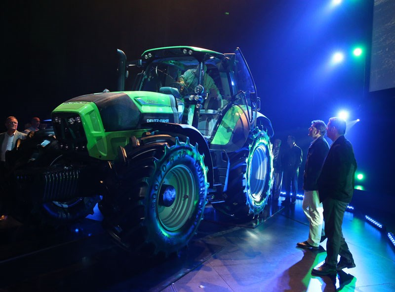 deutz-fahr agrotron 7250 TTV Side