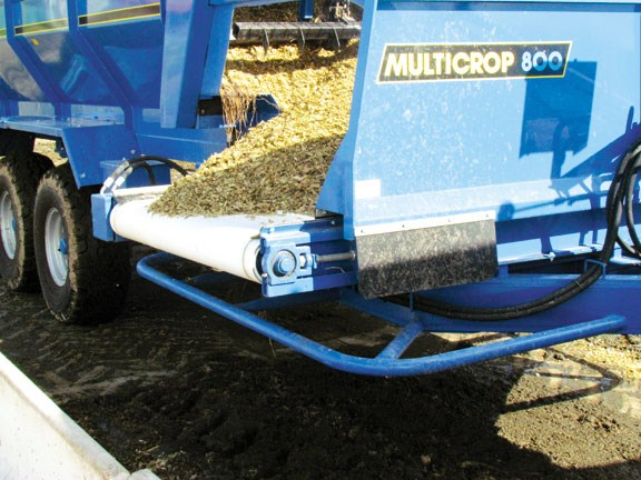 Review: McIntosh MultiCrop 800 silage wagon