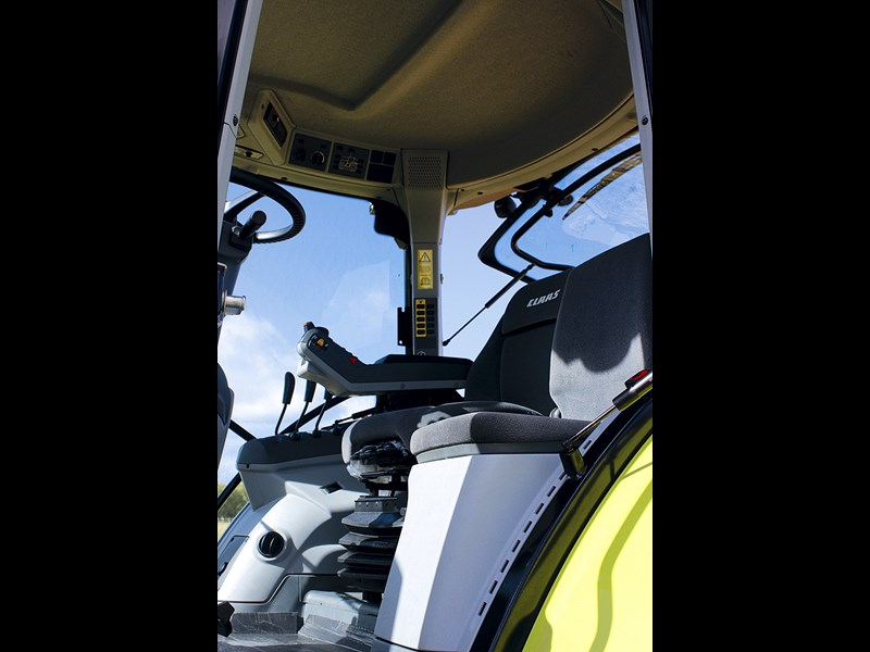 Claas Arion 530 CIS seat and controls