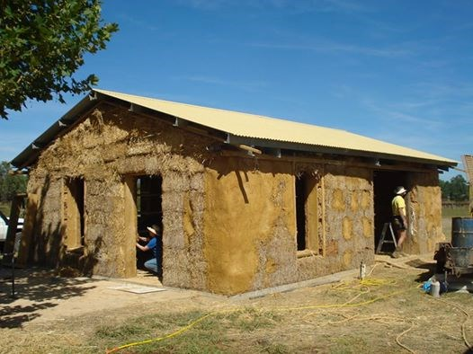 Mudgee field days sustainable starwbale house build