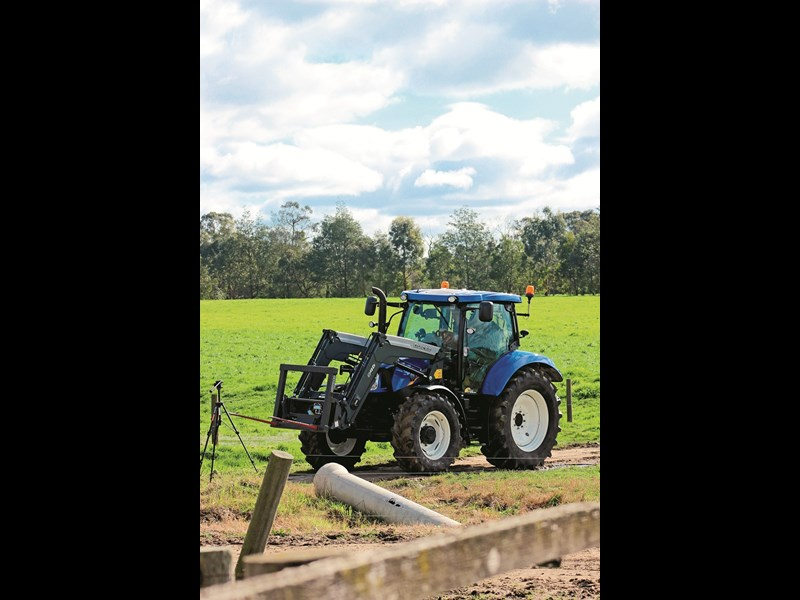 New Holland T6 160 Auto Command 1