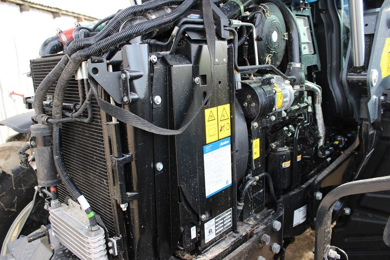 New Holland T6 160 Auto Command engine