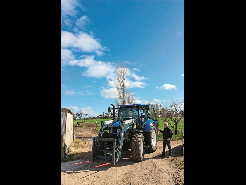 New Holland T6 160 Auto Command with Howard loader