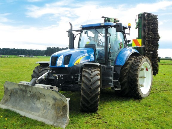 New Holland T6080 Elite tractor
