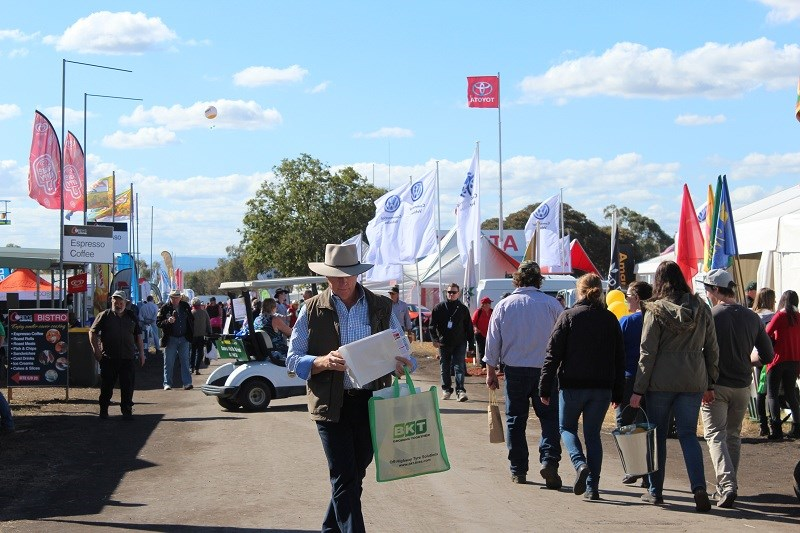 AgQuip crowd