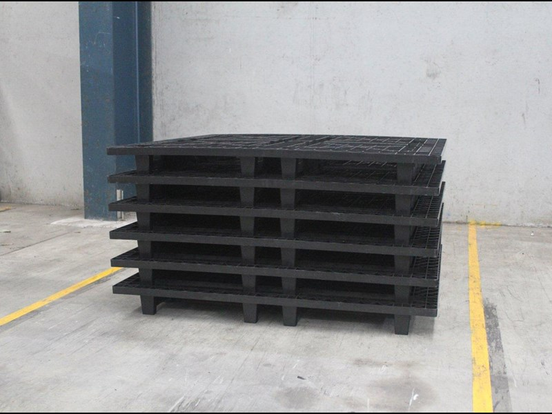 Stacked 1-PAL pallet