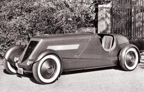 Period shot showing original vee-shape radiator grilles