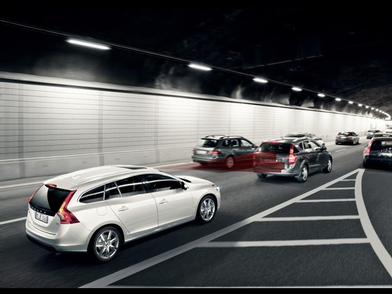 Volvo V60 Sportwagon tops ADAC emergency braking comp