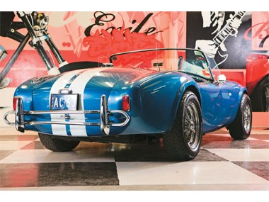 Shelby Cobras: AC Cobra 289, 427 & 427 S/C Review