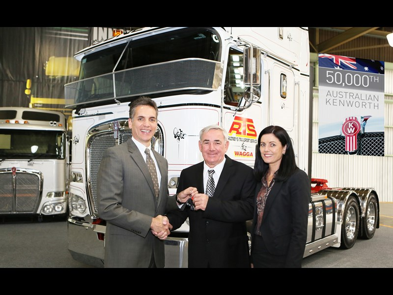 Mike Dozier handing over the 50,000th Australiuan Kenworth