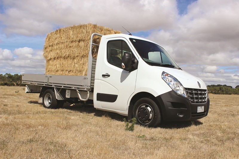 5995 Renault Master single cab chassis