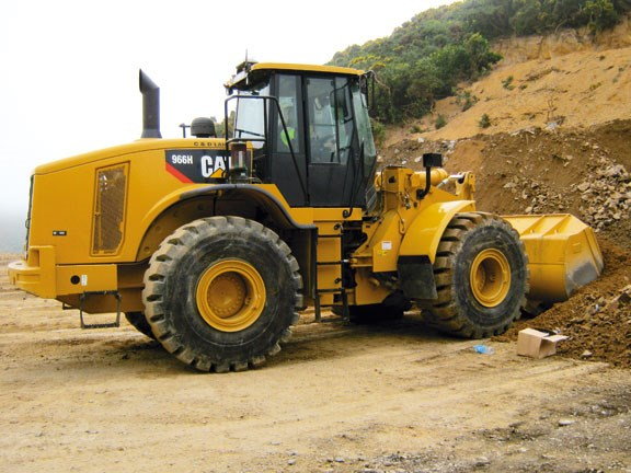 Caterpillar 966H the-966h-has-a-lift-capacit.jpg
