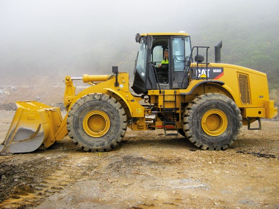 Caterpillar 966H weighs-over-235-t.jpg