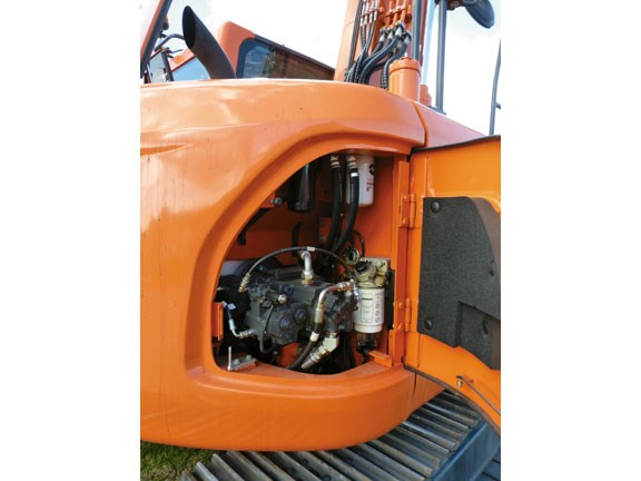 Doosan DX 140LCR-copy-2.jpg