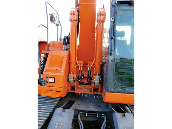 doosan-copy-4.jpg
